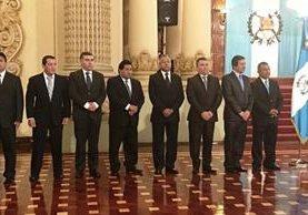 Los ocho gobernadores juramentados por la Presidencia en marzo. Foto Prensa Libre: SCSPR