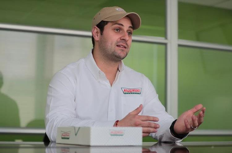 Javier González-Teja gerente de operaciones de Krispy Kreme brindó detalles sobre la franquicia que operará en Guatemala, Krispy Kreme. (Foto Prensa Libre: Álvaro Interiano)