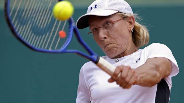 Navratilova empezó una campaña de prevención y detección temprana del cáncer. (Foto Prensa Libre: Agencias)