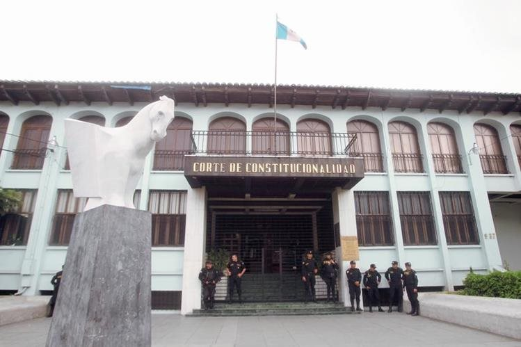El magistrado de la CC Juan Carlos Medina Salas, pide un pleno urgente para rectificar la sentencia referente a medicamentos genéricos. (Foto Prensa Libre: Hemeroteca PL)
