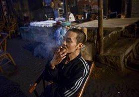 El tabaquismo es un problema de salud mundial. (Foto Prensa Libre: AFP).