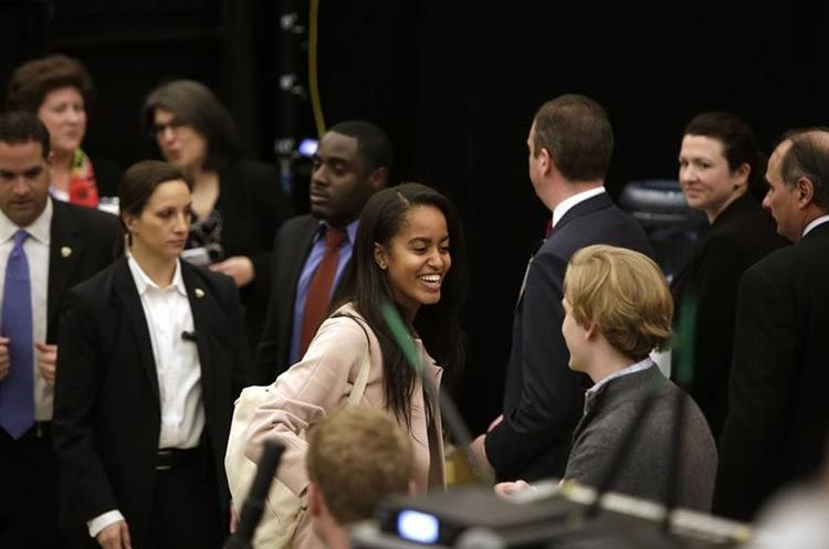 CHICAGO, ILLINOIS - APRIL 07: Malia Obama (C) attends President Barack Obama her father