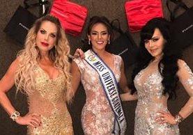 Lorena Herrena, Virginia Argueta y Maribel Guardia modelaron diseños de Mitzy. (Foto Prensa Libre: Cortesía Virginia Argueta)