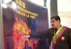 Nicolás Maduro aún cuenta con el respaldo de varios gobiernos que avalan la creación de la Asamblea Constituyente. (Foto Prensa Libre: EFE)