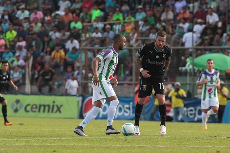 Antigua GFC reportó 1 mil 219 aficionados durante el partido contra los cremas en el estadio Pensativo. (Foto Prensa Libre: Norvin Mendoza).