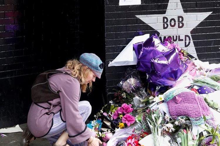 Uno de los lugares en donde se rinde tributo a la figura fallecida del pop es First Avenue en Minneapolis. (Foto Prensa Libre: AP)