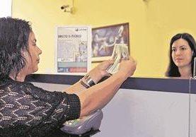 De Estados Unidos son enviadas a Guatemala el 97 por ciento de las remesas. (Foto Prensa Libre: Hemeroteca PL)