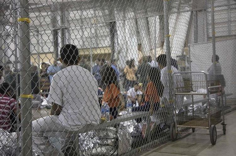 Trump le pone fin a la separación de las familias migrantes