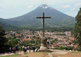 Panorámica de Antigua Guatemala, Sacatepéquez, a donde miles de personas llegarán durante la Semana Santa. (Foto Prensa Libre: Renato Melgar)