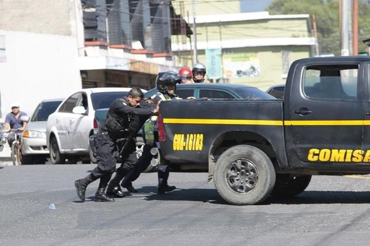 Más de la mitad de la flotilla de radiopatrullas de la PNC no se pueden utilizar. (Foto Prensa Libre: HemerotecaPL)