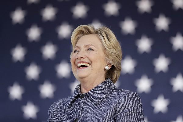 Hillary Clinton participa en un acto de campaña en Des Moines,Iowa, EEUU. (AP).