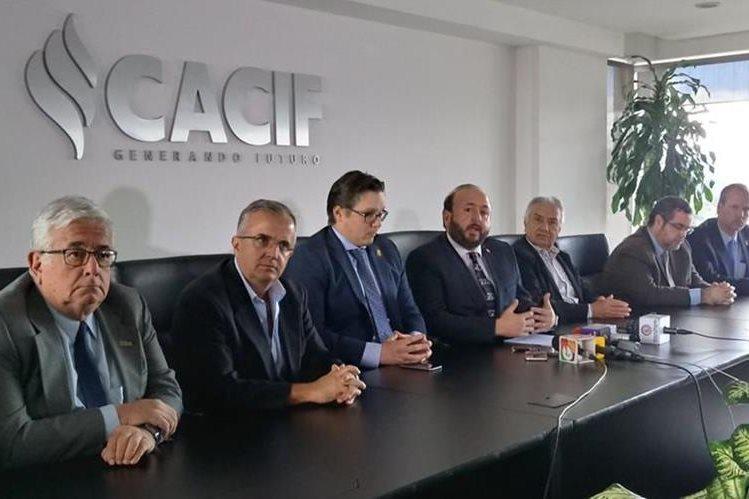 Empresarios agremiados al Cacif coinciden que crisis políticas afectaron la economía del país. (Foto Prensa Libre: Hemeroteca PL)