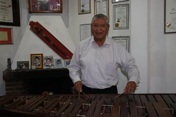 Don José Esteban Lepe Tello ha compuesto más de 100 sones para marimba. Foto Prensa Libre: María José Longo.