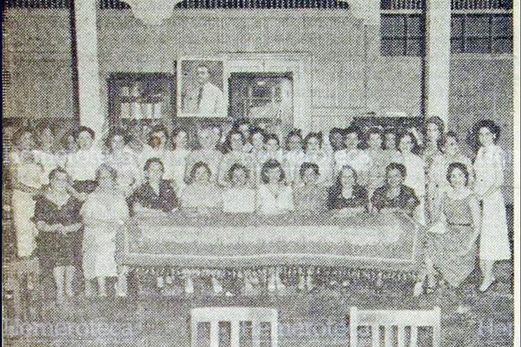 Fotografía  de diciembre de 1955, de educadoras de aquella época. (Foto: Hemeroteca PL)