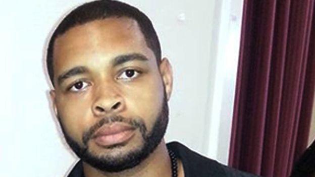 Micah Johnson murió por el explosivo adherido a un MARCbot. AP