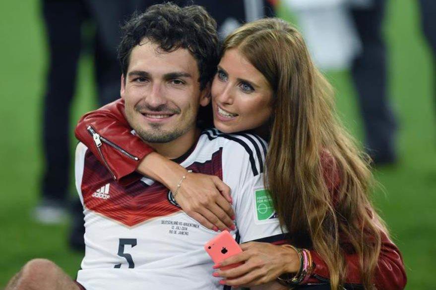 Cathy Fischer es la pareja sentimental del zaguero alemán Mats Hummels.(Foto Prensa Libre: AFP)