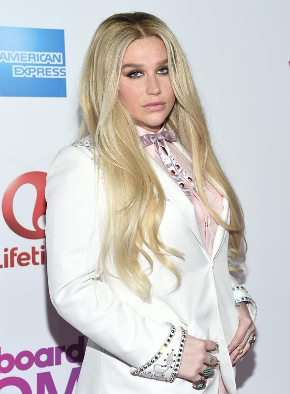 Kesha también fue galardonada en esta gala. (Foto Prensa Libre: AP)