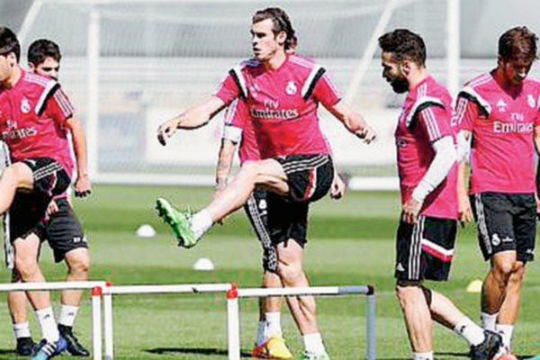 Gareth Bale durante el entrenamiento que realizó el Real Madrid está mañana en la Ciudad de Valdebebas. (Foto Prensa Libre: RealMadrid.com).