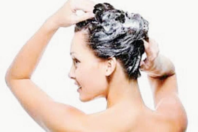 El champú se debe adaptar a las necesidades de cada tipo de cabello. (Foto Prensa Libre: Hemeroteca PL).