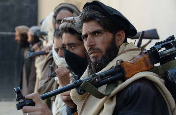 <span>Combatientes</span> <span>talibanes afganos anuncian nueva ofensiva en Afganistán. (AFP).</span>