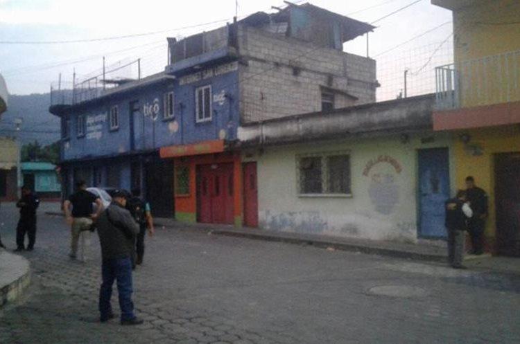 Una de las viviendas allanadas por la PNC durante los operativos contra una banda de saqueadores de viviendas. (Foto Prensa Libre: PNC)