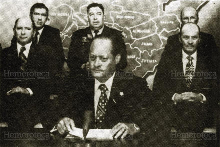 Carlos Manuel Arana Osorio, durante una conferencia de prensa. (Foto: Hemeroteca PL)