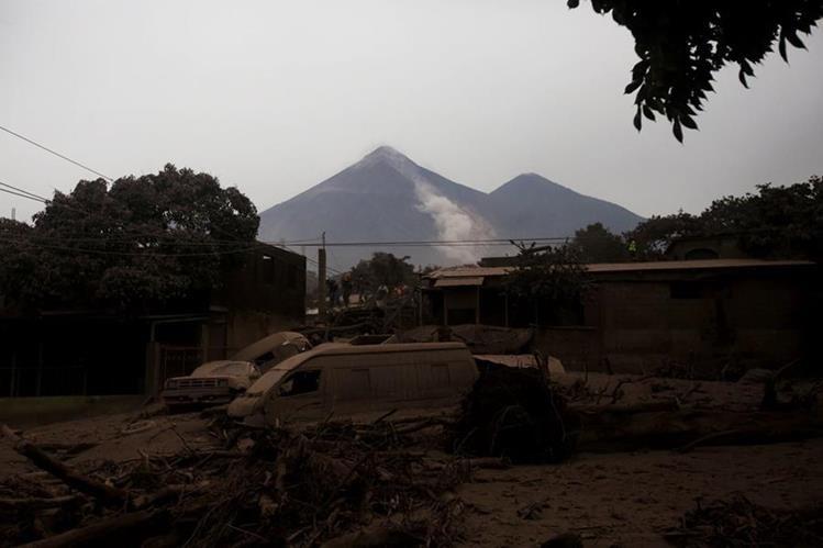 Vista de la devastación que causó el flujo de lava del Volcán de Fuego. (Foto Prensa Libre: EFE)