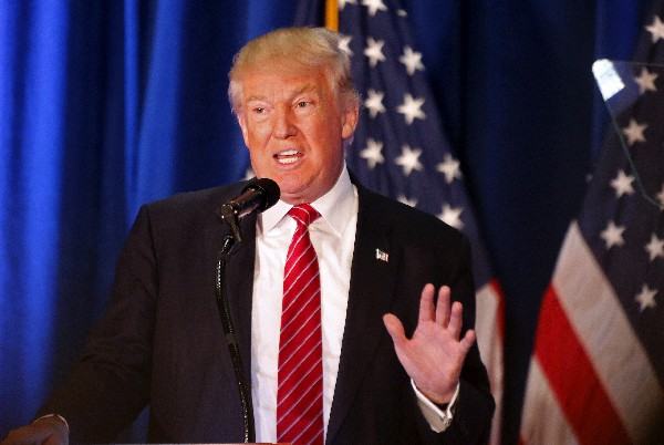 Donald Trump habla durante un mitin en Youngstown, Ohio.(Foto Prensa Libre:AP).