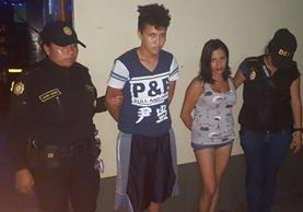 Las dos aprehendidas, en Tecún Umán, San Marcos, son sindicadas de explotación sexual contra una menor que tenían cautiva. (Foto Prensa Libre: PNC)