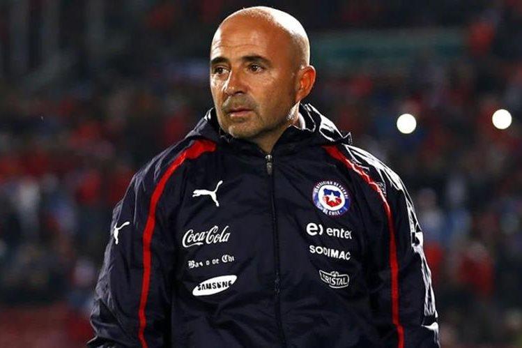 Jorge Sampaoli aseguró en conferencia de prensa que tiene el deseo de marcharse de Chile. (Foto Prensa Libre: Hemeroteca)