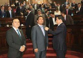 Fernando García Gudiel es juramentado como diputado en sustitución temporal de Luis Rabbé. (Foto Prensa Libre: Esbin García)