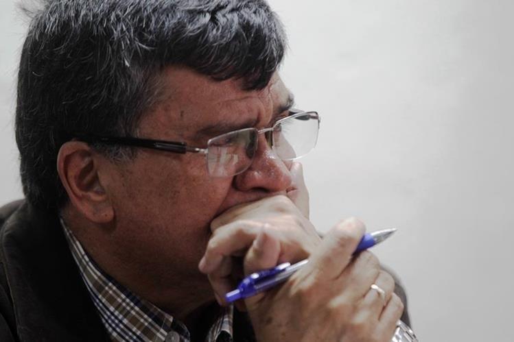 La condena de nueve años de cárcel escucha el exalcalde de Chinautla, Arnoldo Medrano en el Tribunal Octavo de Sentencia. (Foto Prensa Libre: Edwin Bercián)