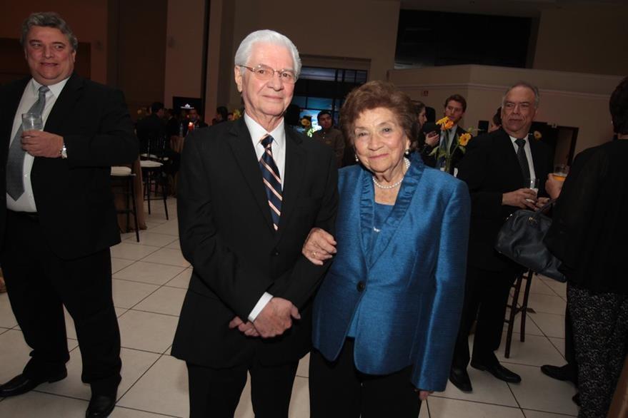 Carlos Monge y Marina Rivera de Castillo. (Foto Prensa Libre: Edwin Castro)