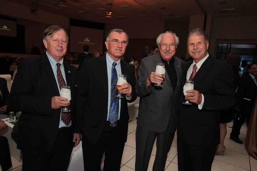 Carlos Novotny, Eduardo Castillo, Luis Alberto Castillo y Luis Pedro Castillo. (Foto Prensa Libre: Edwin Castro)
