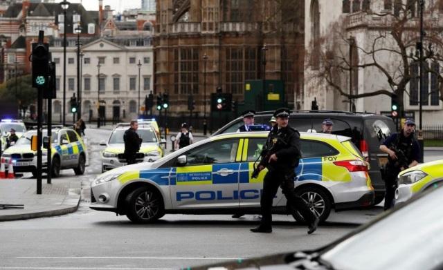 Siete personas fueron detenidas luego del ataque terrorista en Londres. (Foto Prensa Libre: AP)