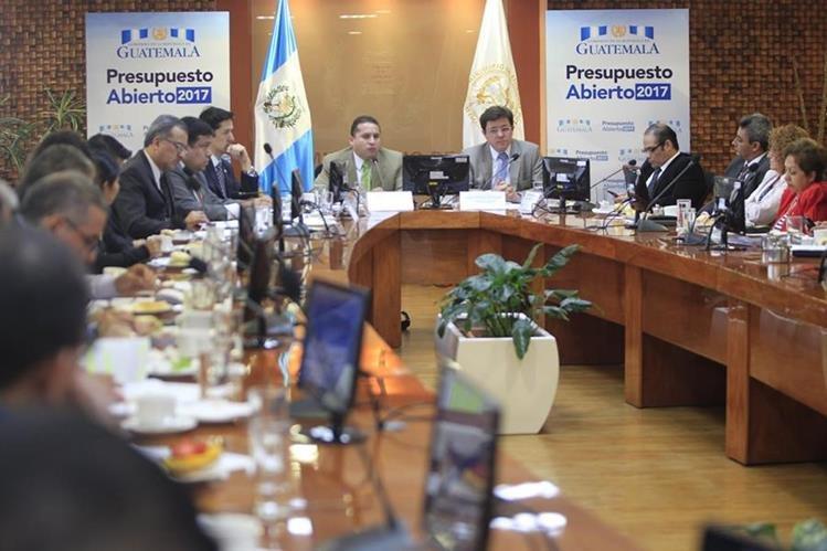 Discusión de plan fiscal se realizará en medio de aprobación de presupuesto. (Foto Prensa Libre: E. Bercián).