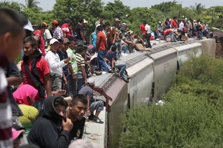 Miles de migrantes intentan llegar a Estados Unidos y cruzar el sur de México en La Bestia. (Foto Prensa Libre: Hemeroteca PL)