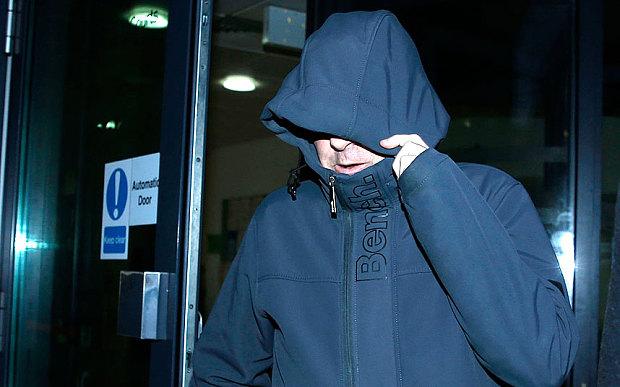 Paul Worthington, el padre de Poppi, sale de una audiencia judicial en el 2015. (Foto: telegraph.com.uk).
