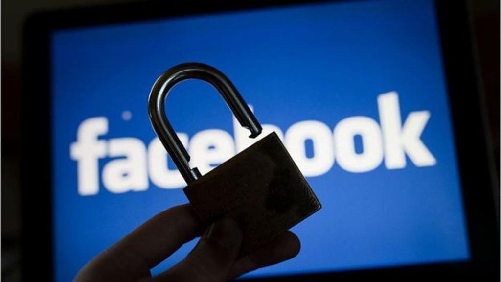 Desde que Mark Zuckerberg creó Facebook en su habitación universitaria en Harvard, los debates sobre seguridad y privacidad han sido una constante en la historia de esta red social. (GETTY IMAGES)