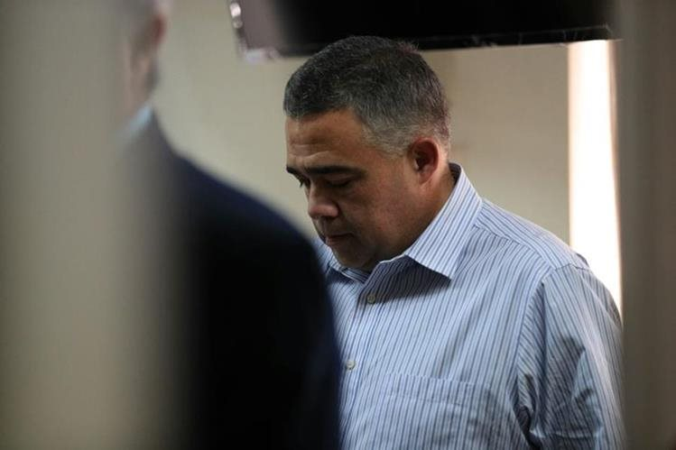 Jorge Alberto Cabezas se entregó hoy ante el Juzgado Octavo Penal. (Foto Prensa Libre: Carlos Hernández Ovalle)