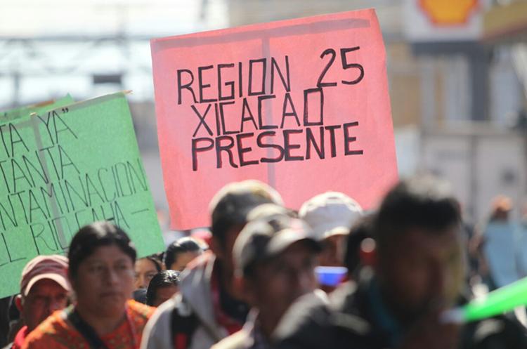 Los manifestantes provienen de distintos municipios de Alta Verapaz. (Foto Prensa Libre: Erick Ávila)