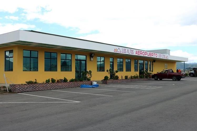 El aeródromo se ubica en la diagonal 10, 13-81 zona 6 Quetzaltenango, Quetzaltenango a una altura de 2 mil 660 metros sobre el nivel del mar. (Foto Prensa Libre: Carlos Ventura)