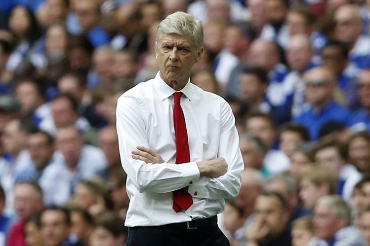 Wenger recién confirmó que seguirá al mando del equipo inglés para la temporada que viene. (Foto Prensa Libre: AFP)