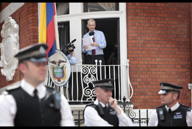 Julian Assange está refugiado en la Embajada de Ecuador de Londres desde junio de 2012.