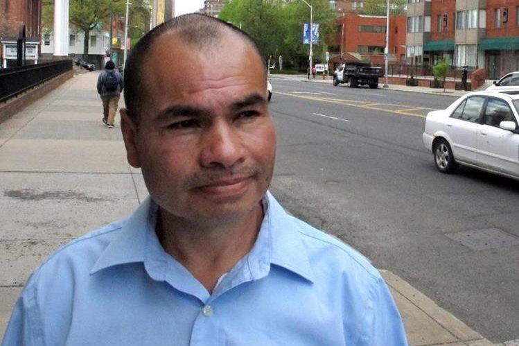 El guatemalteco Luis Barrios tiene 25 años de vivir en Estados Unidos, y hoy enfrenta el temor de ser deportado(Foto Prensa Libre: AP)