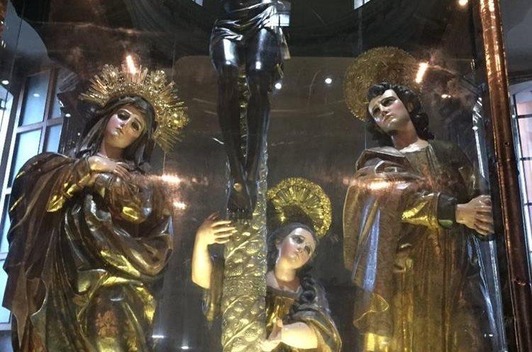 La imagen del Santo Cristo Negro de Esquipulas fue esculpida por Quirio Cataño hace 424 años.(Foto Prensa Libre: Mario Morales)