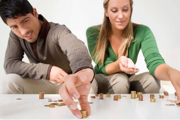Considerar el aspecto financiero es algo que se debe tener en cuenta a medida que se va afianzando la relación. (Foto Prensa Libre: finanzaspersonales)