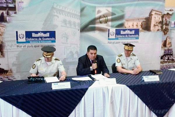 El anuncio de la destitución de Tubac Pérez fue revelado por el viceministro en una conferencia de prensa. (Foto Prensa Libre: Henry Pocasangre)