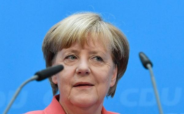 Ángela Merkel asiste a la reunión de la ejecutiva de la Unión Cristianodemócrata.(EFE).