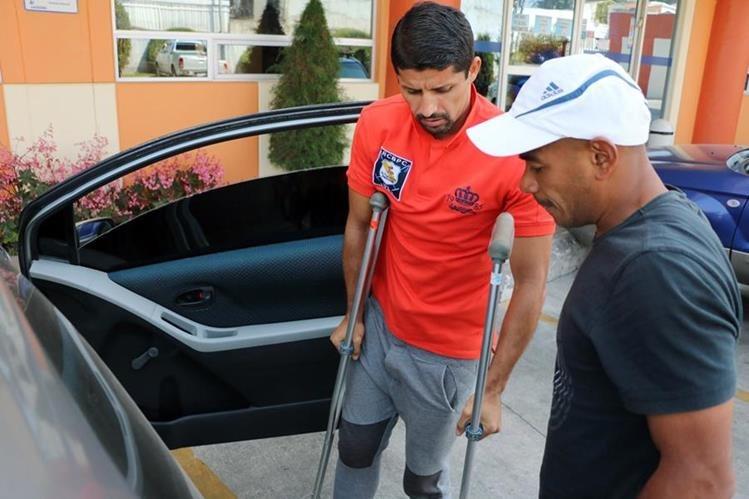 Israel Silva estará fuera un año del futbol debido a una grave lesión. (Foto Prensa Libre: Carlos Ventura).